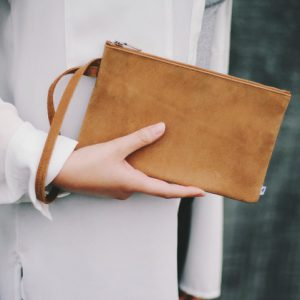 clutch-303-brown-02