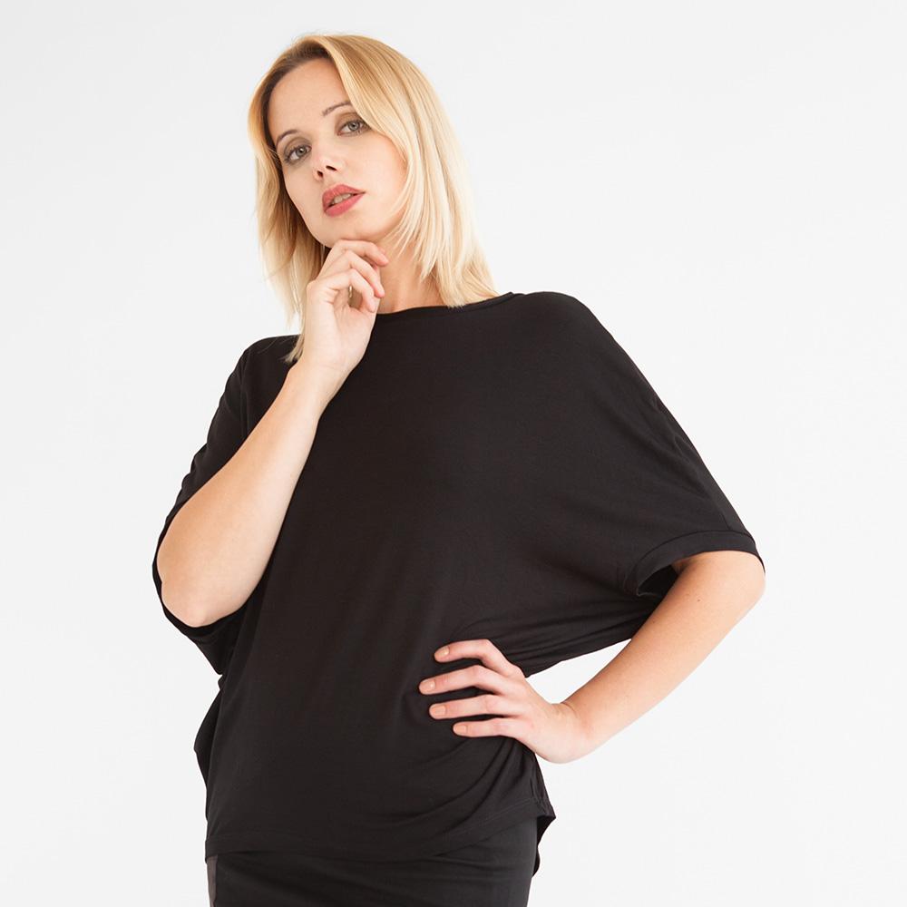 Schwarzes Fledermausshirt im Oversize-Look aus Viskosejersey.