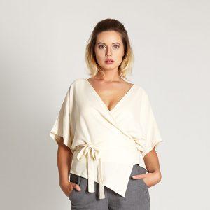 Kimonobluse in Offwhite aus fein strukturiertem Tencel mit Stillfunktion