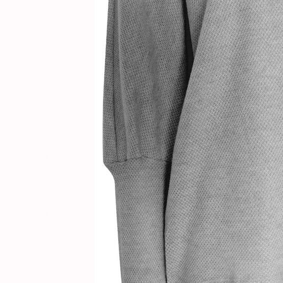 grauer Strickpullover mit Fledermausärmeln, Rollkragen, langen schmalen Ärmelbündchen und leichter Wabenstruktur - Detail