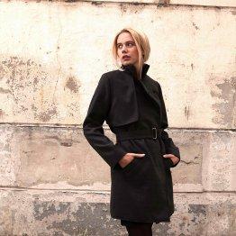 Schwarzer Mantel Trenchcoat aus Wollmix mit Gürtel und asymmetrischer Blende im Rückteil