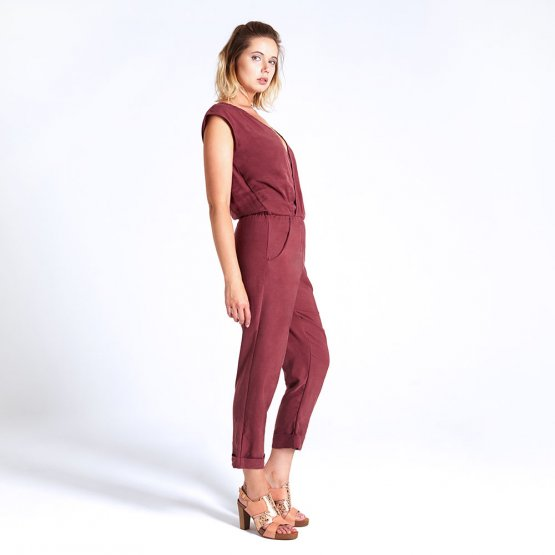 rostroter langer Overall aus Tencel