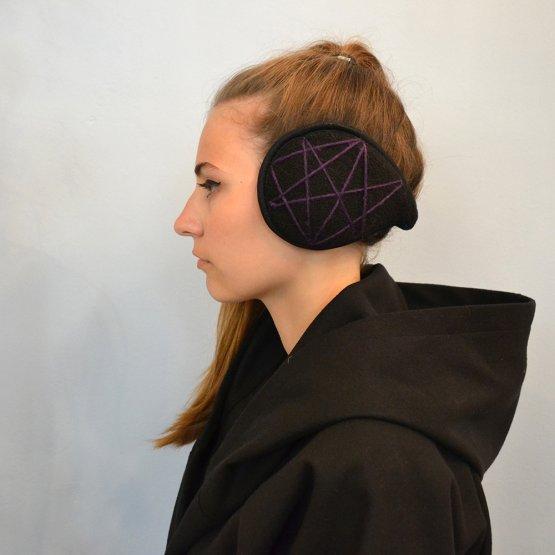 Ohrwärmer aus Fleece mit lila Stern - wird im Nacken getragen