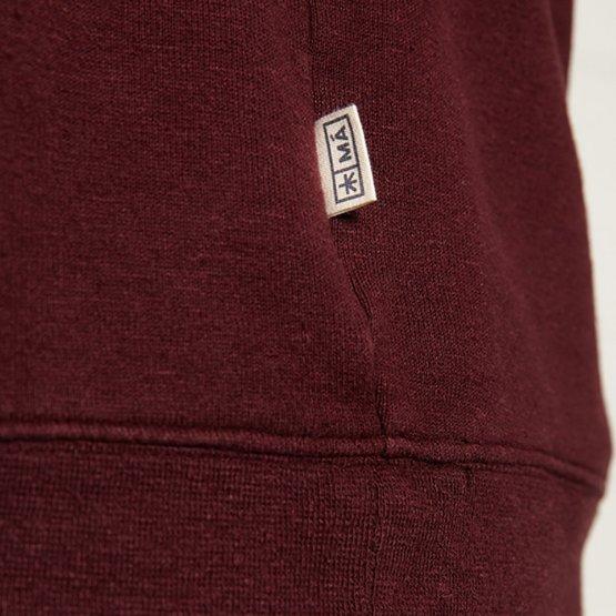 """Pullover """"Marsh"""" aus Hanf - weiches Sweatshirt in einem Pflaume-Ton für Frauen und Männer - Detailansicht Label in der Naht"""