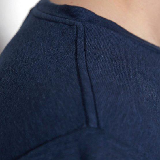 Shirt HOVITO aus Hanf mit Brusttasche in Dunkelblau von MA Hempwear - Deatil Schulternaht