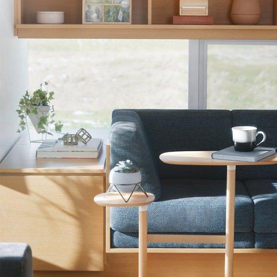 Der Pflanzenhalter ist die perfekte Decoration für jedes Wohnzimmer.