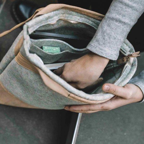 Rucksack aus Kork und recyceltem PET von UlSto - Blick ins Innere