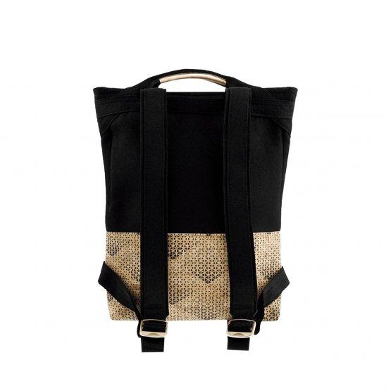 Rucksack aus gemustertem Kork udn schwarzem Filz aus recyceltem PET von UlSto - Rückseite