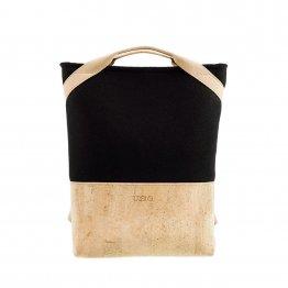Rucksack aus Kork udn schwarzem Filz aus recyceltem PET von UlSto