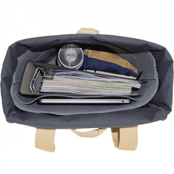 Rolltop Rucksack aus Kork und recycelter Baumwolle in Grau von UlstO Bags - Innenansicht