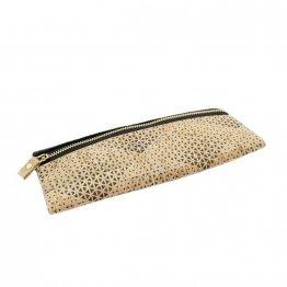 schwarze Federtasche mit gemustertem Kork udn recyceltem PET von Ulsto Bags