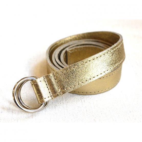 Schmaler goldener Ledergürtel von Elektropulli. Fair in Deutschand hergestellt.