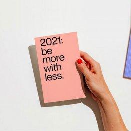 Kalender mit Nachhaltigkeitstipps für 2021 in Rosa