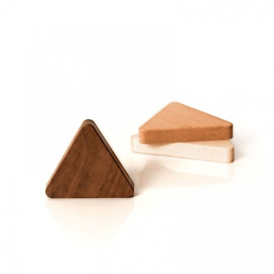dreieckige Schlüsselmagneten in allen drei Holzvarianten