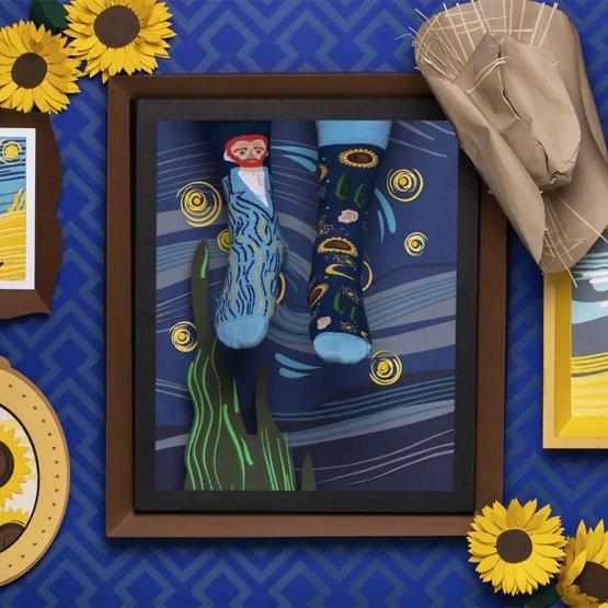 Socken mit Vincent van Gogh Motiv von Many Mornings - zwei unterschiedliche Strümpfe