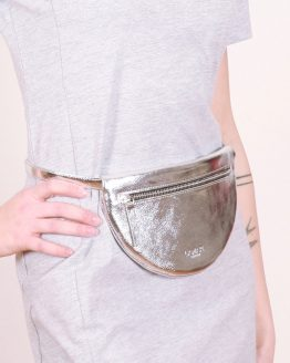 Moonbag in Silber  – runde Gürteltasche von Lamari Berlin