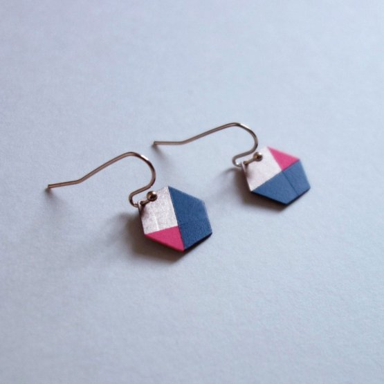geometrische Ohrringe Hexagon Marine Pink bedruckt handmade von Ruby on Tuesday