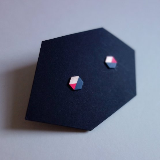 geometrische Ohrstecker Hexagon Marine Pink bedruckt handmade von Ruby on Tuesday