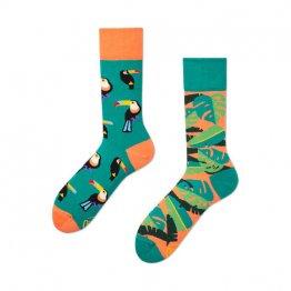 """""""Tropical Heat"""" tropsiche Socken mit Papageien von Many Mornings"""